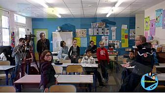 Les jeunes reporters de l'école primaire de Lacourt-Saint-Pierre Interviewent le Lieutenant Lafage, gendarmerie Nationale
