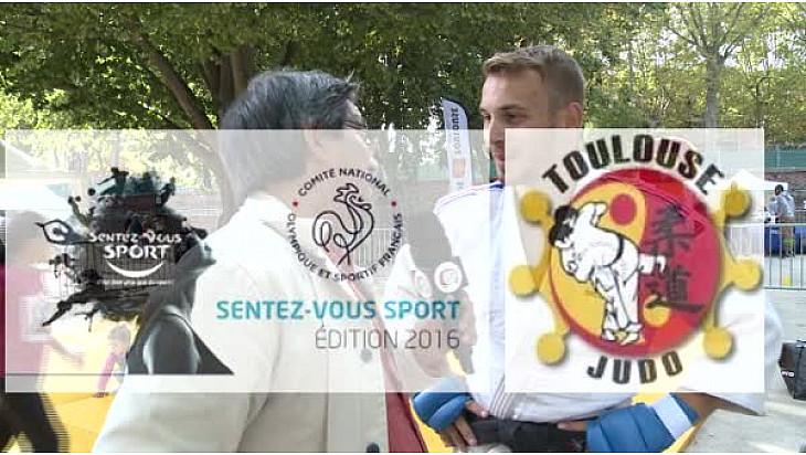 Valentin BONNEAU en Ju Jitsu Fighting aux journées @SentezVousSport au micro de Michel Lecomte de #TvLocale_fr #Toulouse