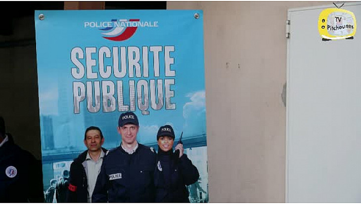 Parcours citoyen de Castelsarrasin : l'atelier Police Nationale. @actoulouse @RC_Education