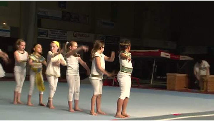 Gymnastique Gala 2016 'La Tarnaise' de Lavaur (81): 'L'Egypte 1' avec les poussines #TvLocale_fr