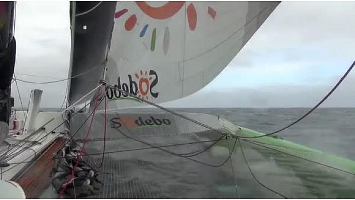 Thomas COVILLE sur SODEBO Ultim' va battre le Record du Tour du Monde Trimaran en Solitaire