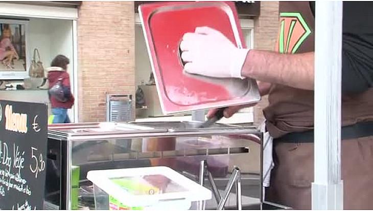 William Molas et ses Hot-dogs 100% végétaliens à Toulouse ! #vegan @velovege #TvLocale_fr