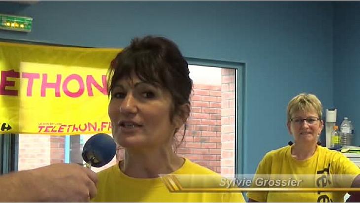 Edition du Téléthon 2017 à Arques - Saint-Omer: la coiffeuse du Téléthon Sylvie Grossier au micro de TvLocale OdopalTV