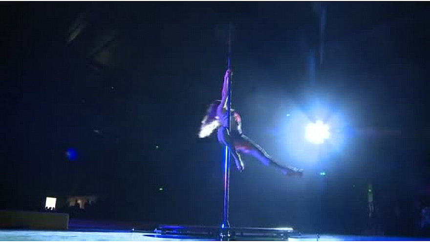 Deuxième prestation de Pole Dance de Caroline Bourgeois au Gala 22016 de Tempo Gym - Tarn