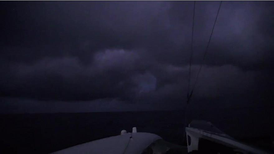 BREST ATLANTIQUES 1 décembre 2019 : images de bord d'Actual-leader ...la sortie du pot-au-noir... @Batlantiques @TeamActualeader