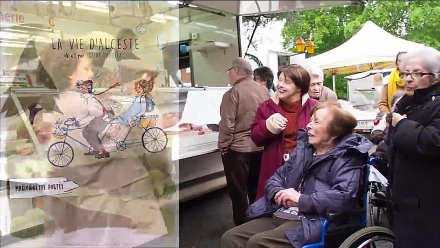 Céline Pagniez, comédienne Marionnettiste parcours l'Occitanie avec 'La Vie d'Alceste'