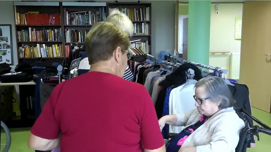 'LE THE A COUDRE' - Plaisir partagé en EHPAD autour de vêtements aux vies multiples.