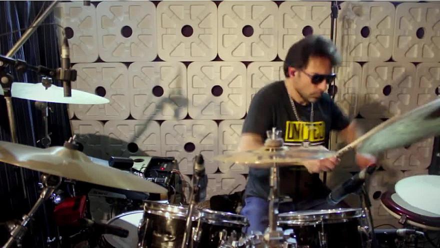 Daft Drums, Julien Tekeyan